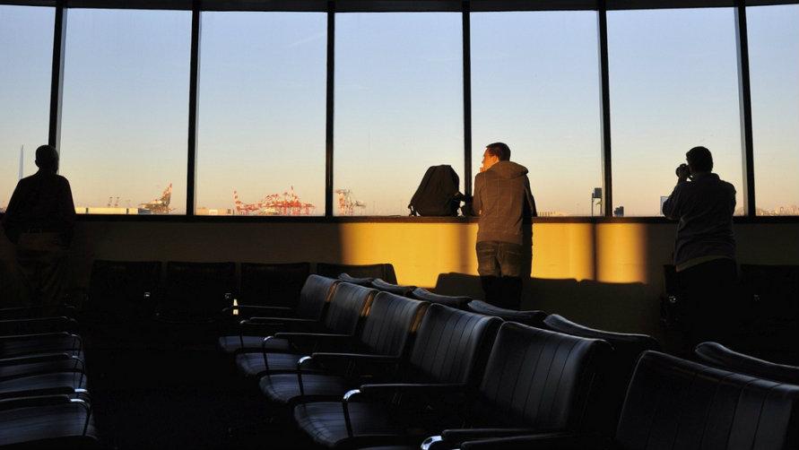 схема аэропорта и табло
