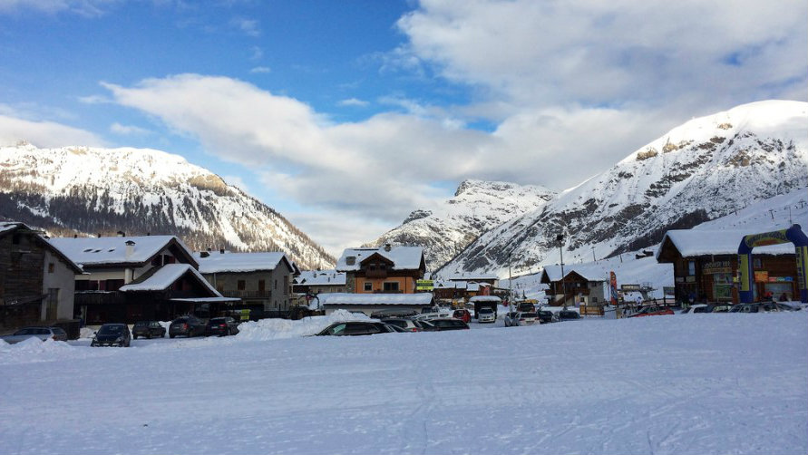 Вид на горнолыжный курорт