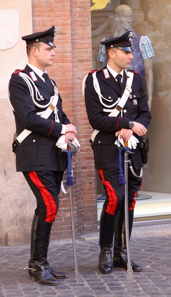 Римские полицейские.